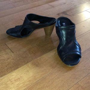 Bülle Black Sandals